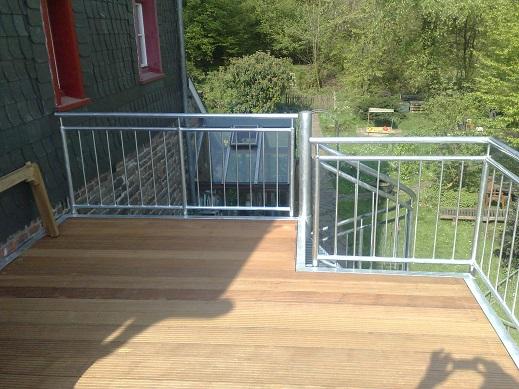 metall w nsche k ln balkone und terrassen aus stahl und metall. Black Bedroom Furniture Sets. Home Design Ideas